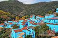 旅游小镇的另类突围之道――蓝精灵小镇胡斯卡