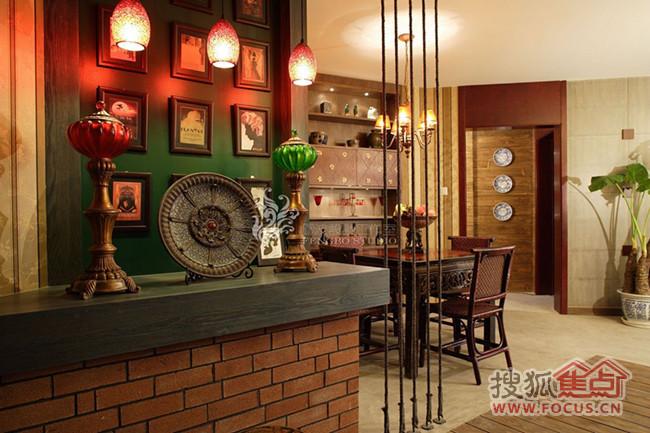 风格   :东南亚风格   另外,设计师把卫生间的洗手台挪到外面,