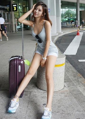 韩国美女健身教练芮正花因