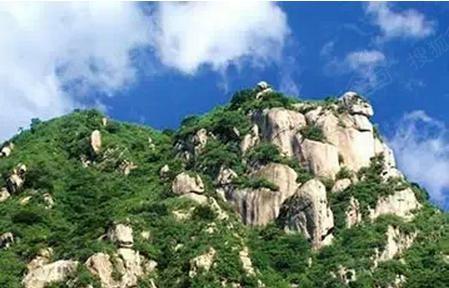 神堂峪自然风景区位于怀柔县境内,距北京65公里,融山川,河流,奇峰