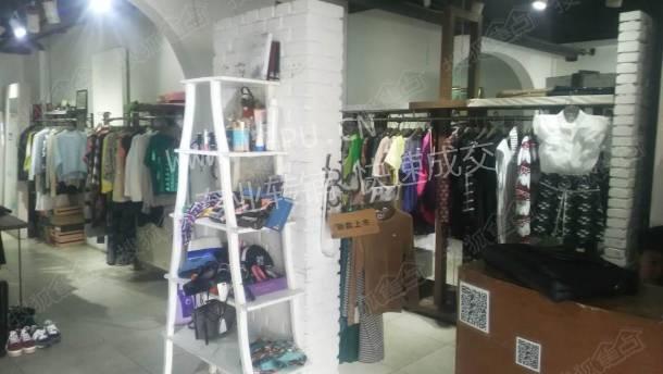 昌平回龙观70㎡服装店生意转让高清图片