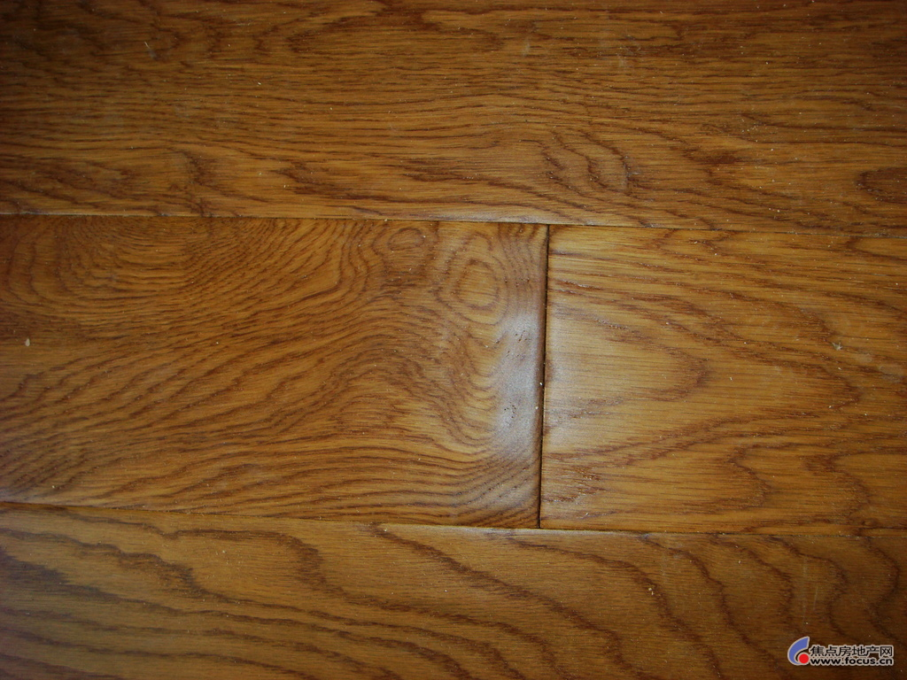 地板的拼缝,这种安装手法,规范