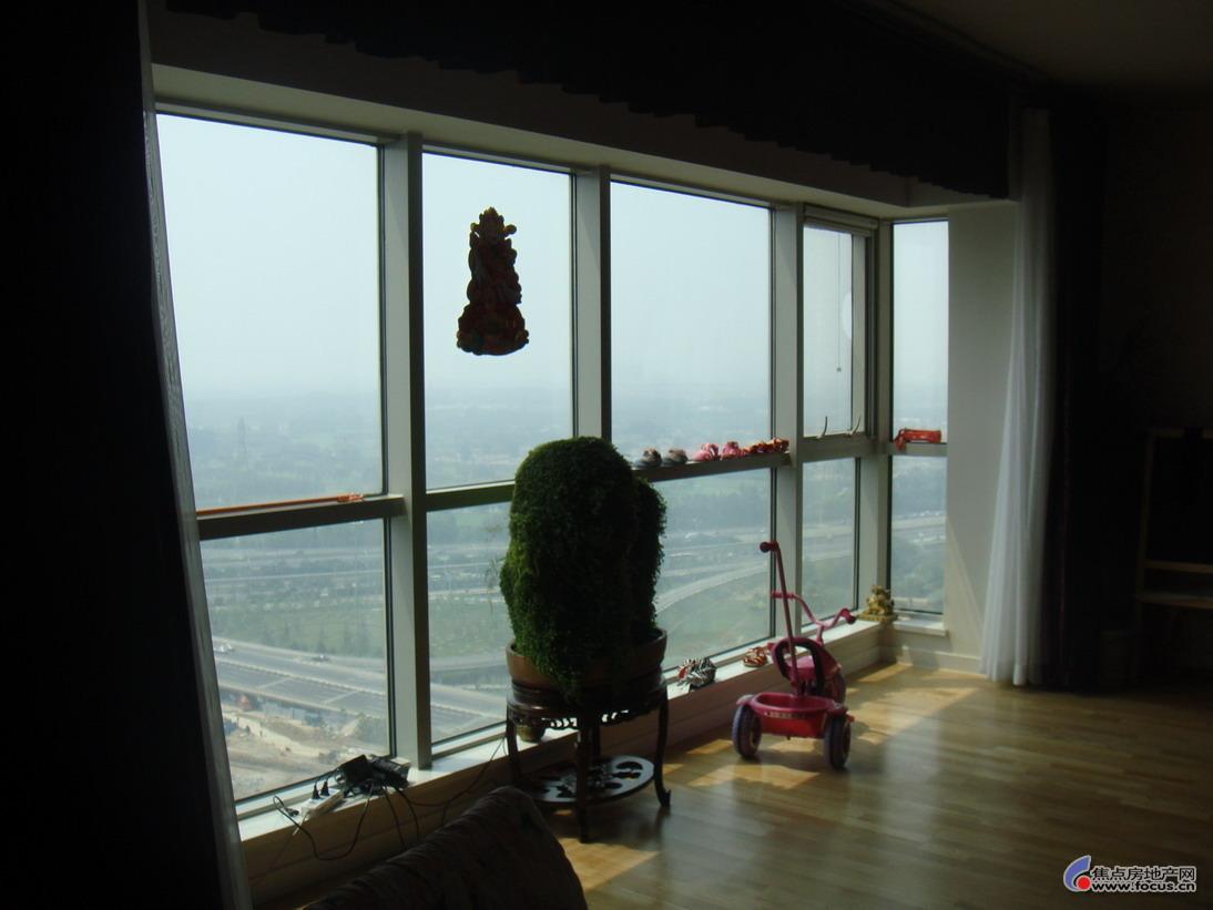 客厅落地窗全景图片