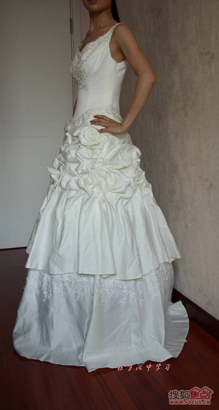 婚纱侧面照