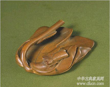 图:清宫旧藏·黄杨木雕笔掭