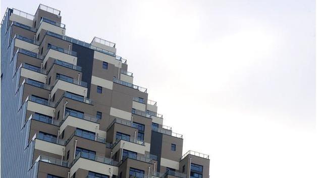 """江苏昆山的一处楼盘外形酷似""""金字塔"""""""