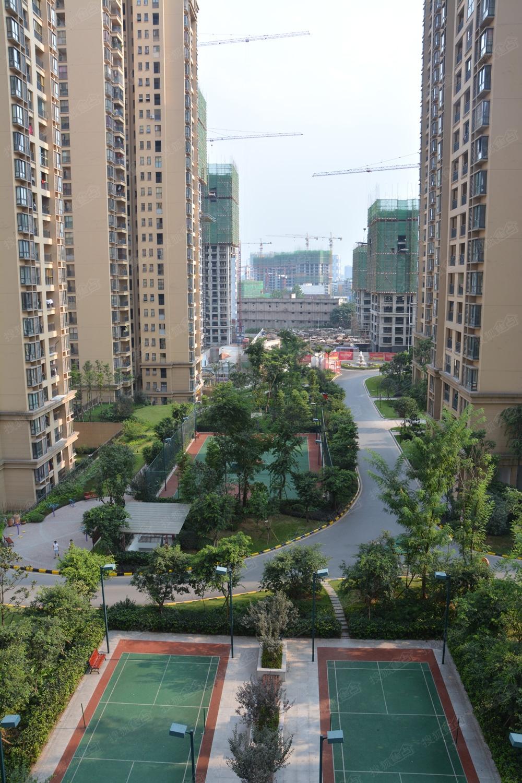 宝龙城市广场实景图图片