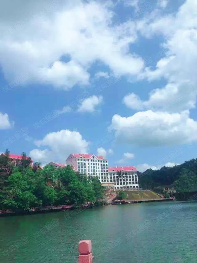 天岛湖 贵州赤水 (70年大产权一户一证)请致电:18302362460