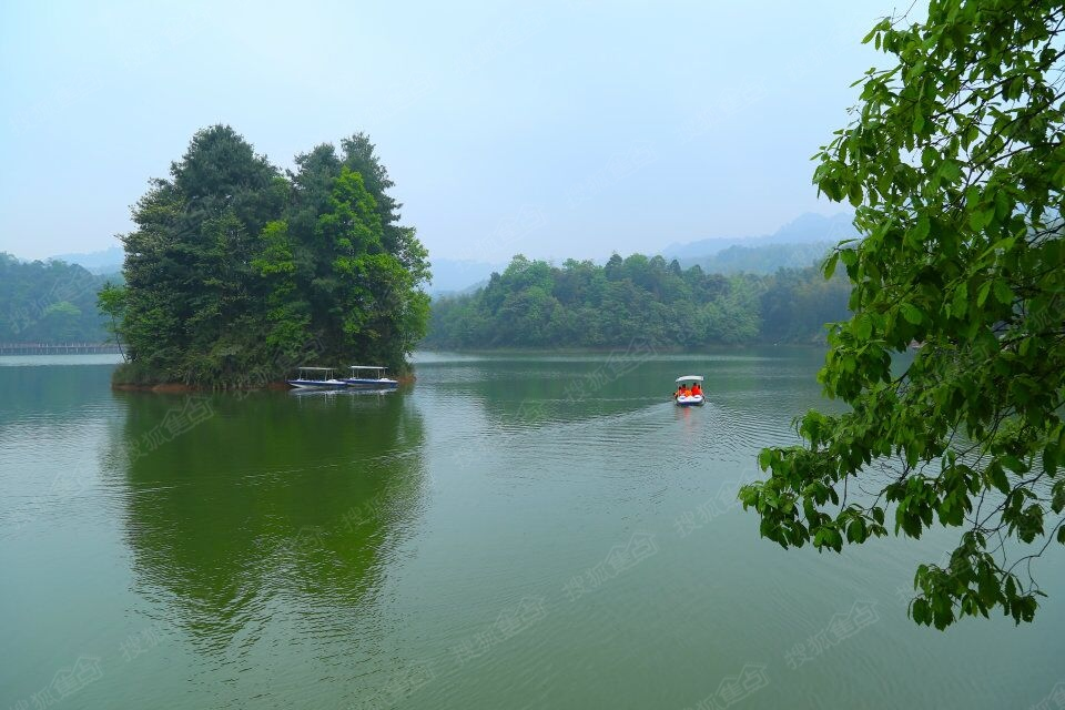 国际养生避暑度假区——贵州赤水天岛湖
