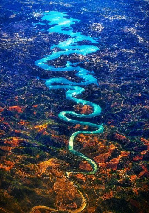 """自己在飞机上拍到了一条中国龙——葡萄牙的""""蓝龙河"""""""
