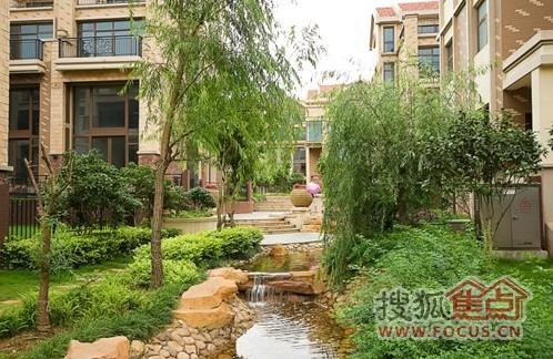 见证盈峰翠邸水系园林景观
