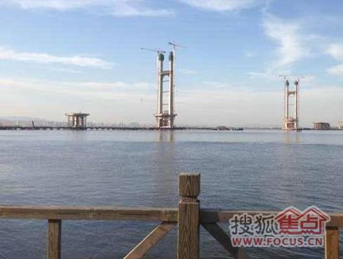 丹东新区鸭绿江大桥建设如火如荼图片