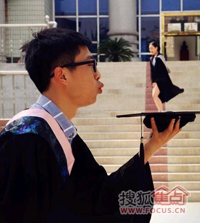 网友神剪辑--搞笑创意毕业照图片