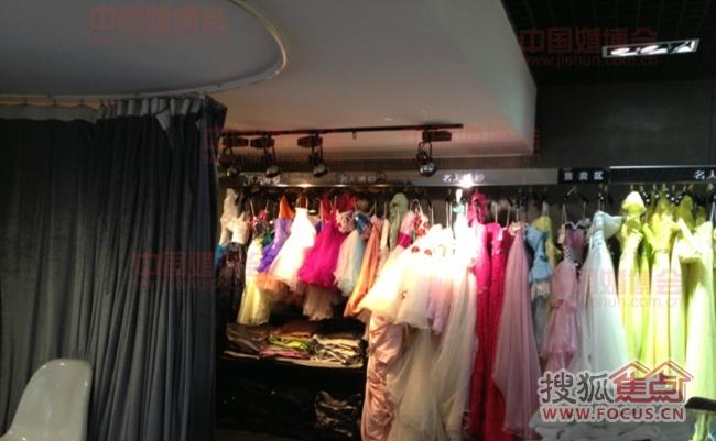 探店名人婚纱摄影,源自专业 婚纱好美