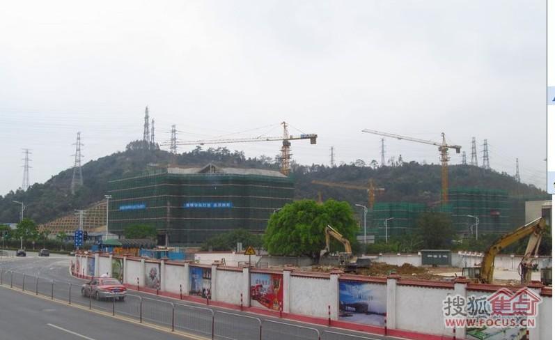 广州地铁六号线香雪站的进展,就在岭南山畔旁边哦