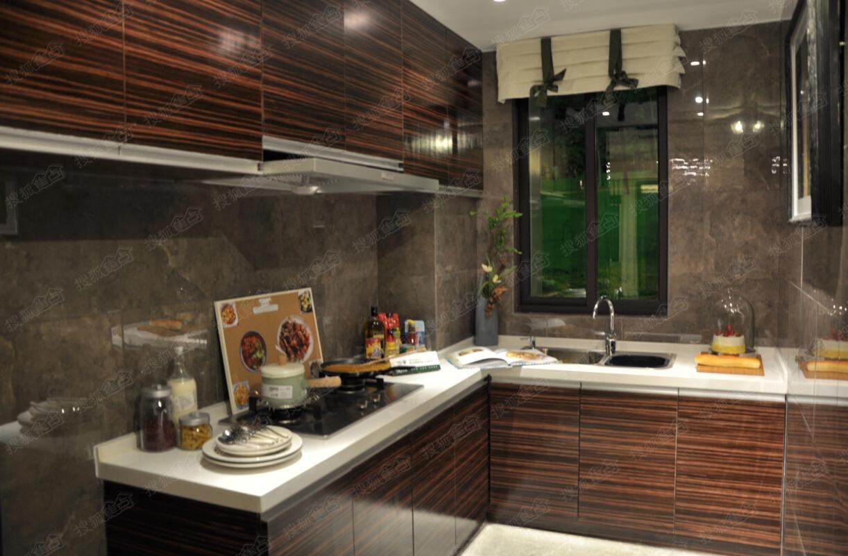 世茂翡翠首府116平米样板间厨房图片