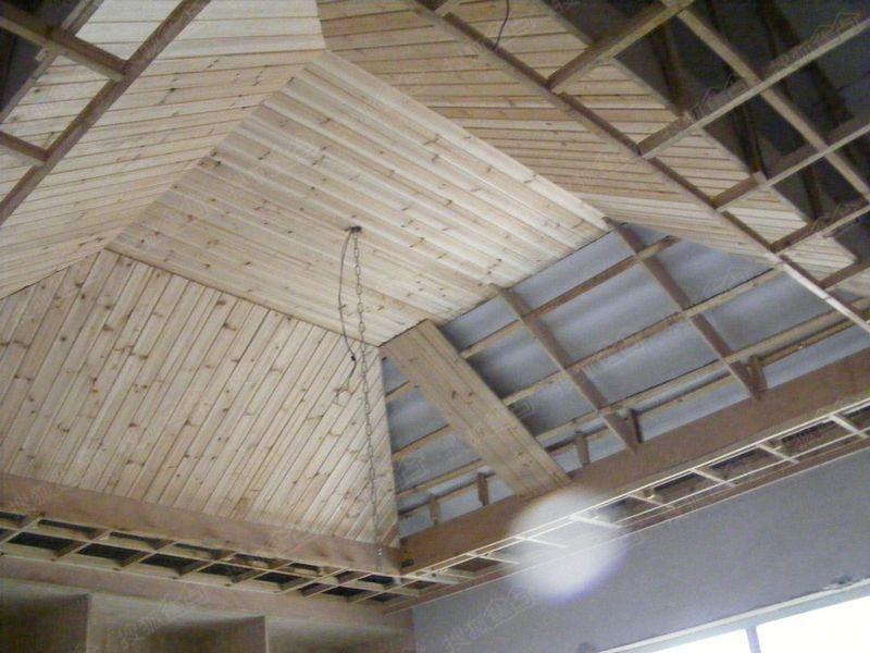看看这个简单的桑拿板天花,内部的结构要花费多少.