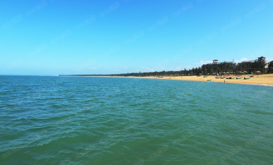 最美金沙滩海岸线