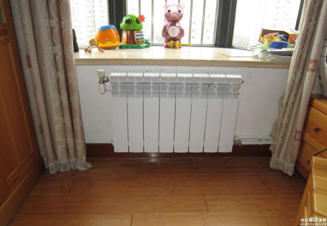 明装暖气片,已经装修的房屋也可以装暖气,而且可以在感受温高清图片
