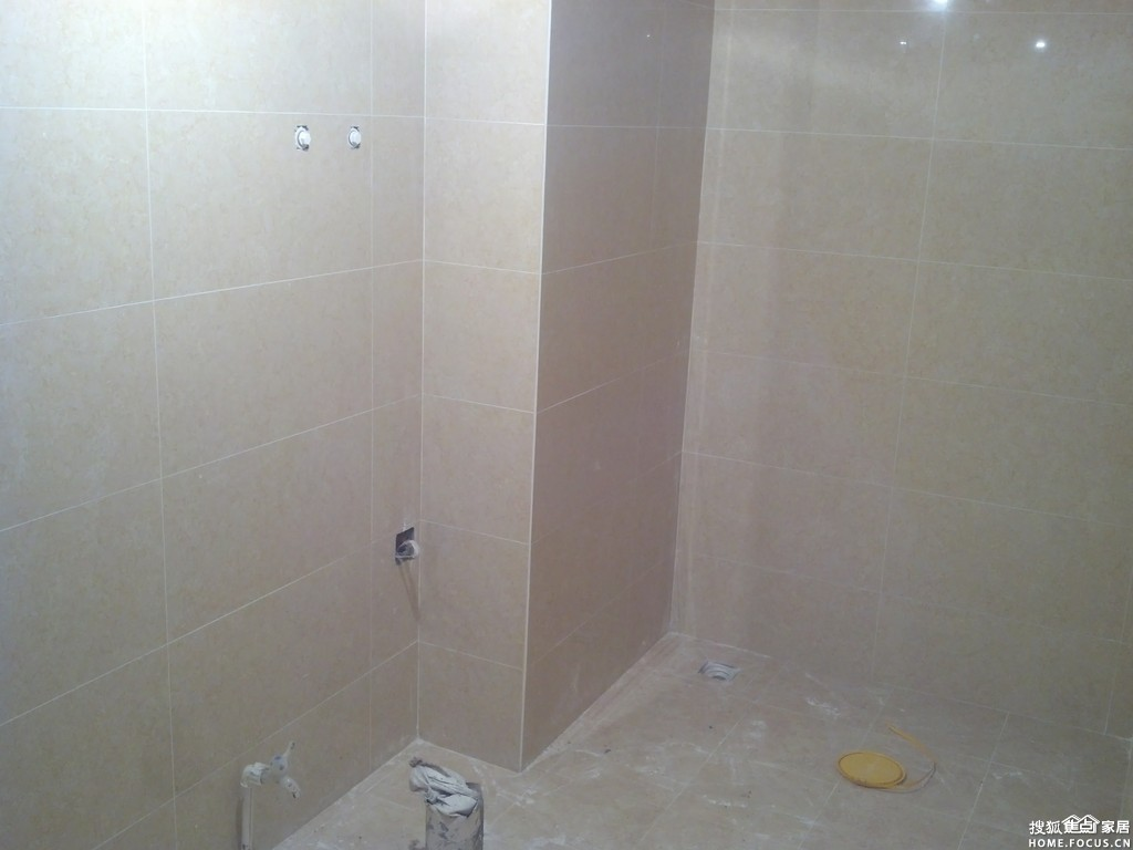 装修一直忙,发点图片,记录下吧.   卫生间:墙面也是地砖切的高清图片