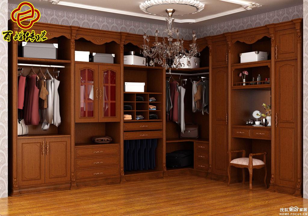 在设计的时候,由于 定制家具是 以量身定制为特色,要兼具可方便拆装