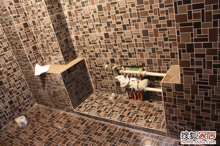洗手间里做的洗手台的门应该用什么材质的做才能不怕潮和高清图片