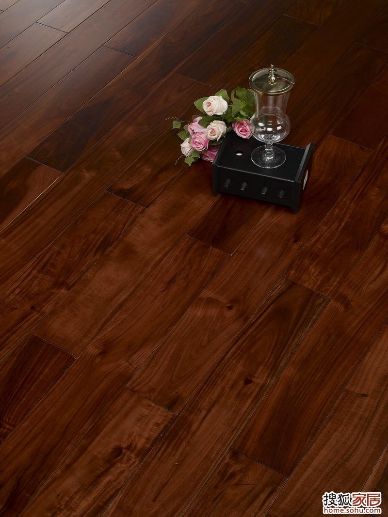 永吉·晶砂面 产品类别:实木地板 产品型号:(大叶合欢) 相思木 黑胡桃