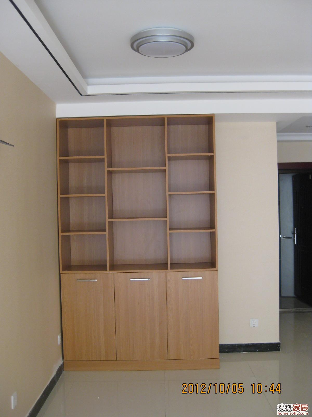 酒柜鞋柜一体柜效果图|进门鞋柜酒柜一体图片|进门靠墙鞋柜酒柜一体图片