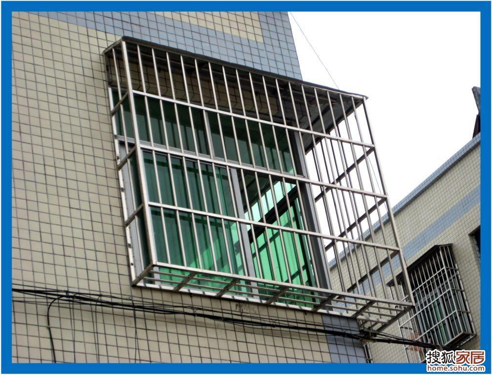 装修总论坛 深圳装修 装修招标            由于户型是港式风格,没有图片
