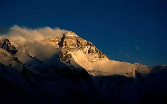 她是中国十大风景名胜中唯一的山岳风景区,作为中国山之代表,黄山集
