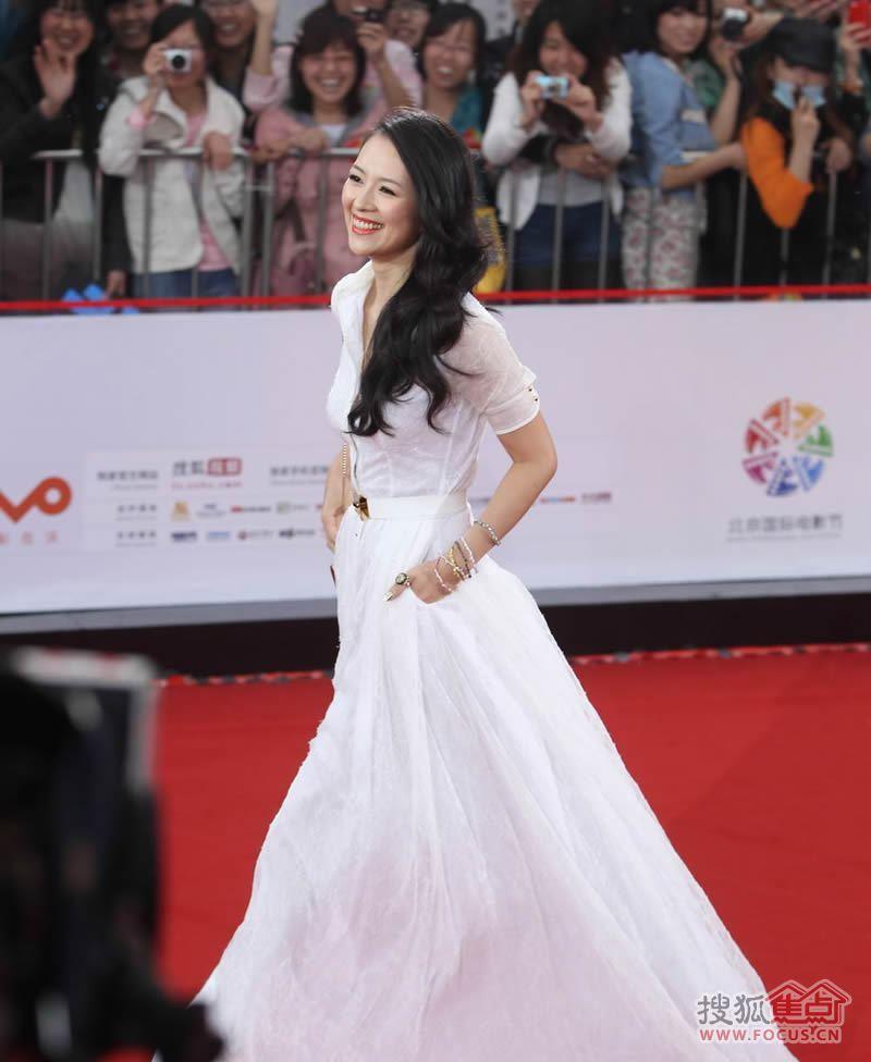 图:北京电影节红地毯上那些争奇斗艳的女星图片