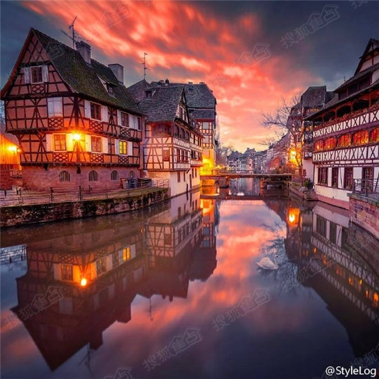 法国的美丽浪漫小镇 科尔马 Colmar夜景