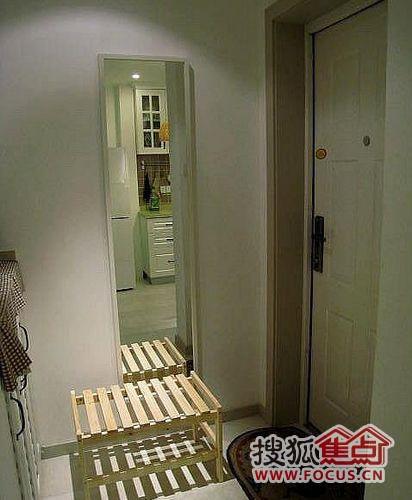 装修的时候,可以借鉴哦 50平小户设计 紧凑客厅分隔出地台高清图片