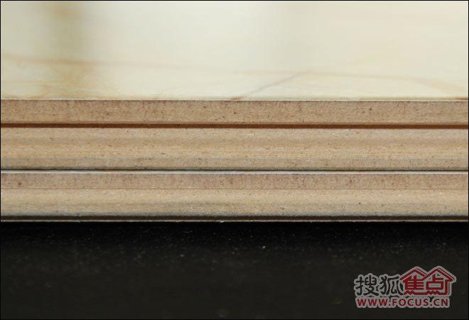 仿大理石木地板 春天七彩神韵强化地板评测