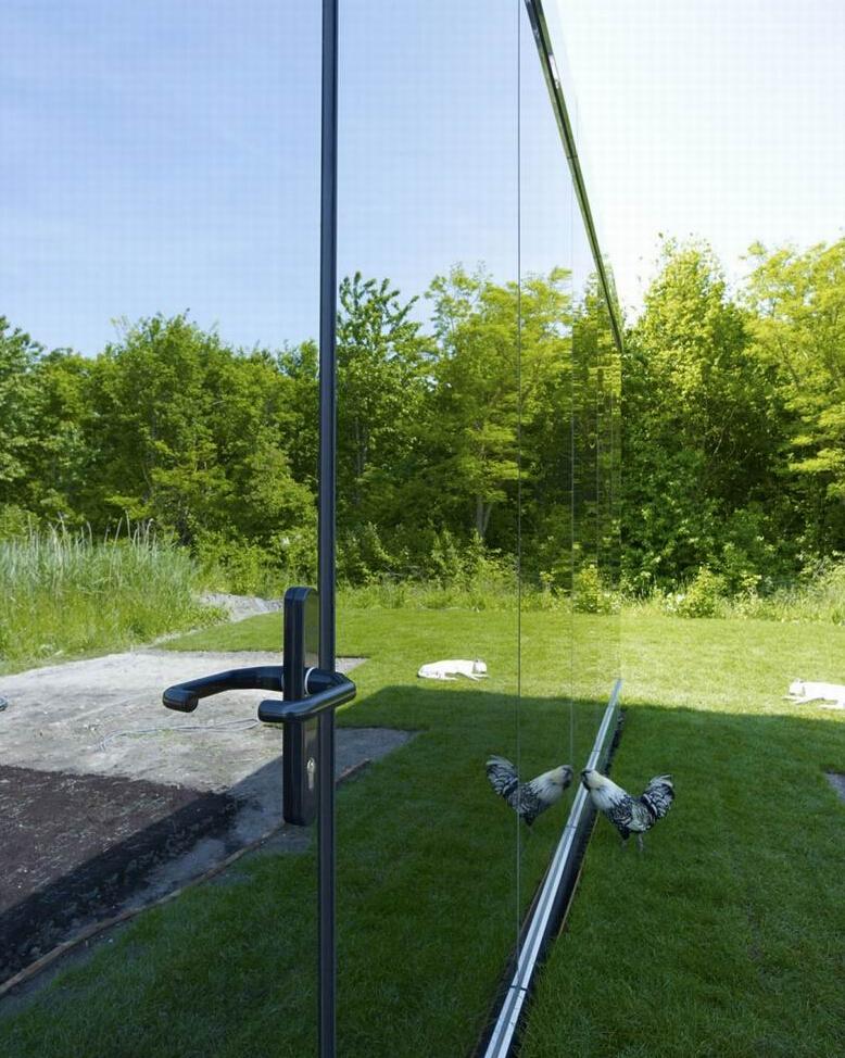 国外创意镜子私宅 用镜面做成的梦幻外墙-业达科技园
