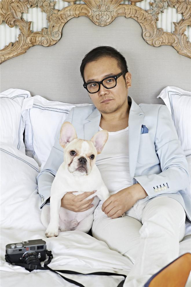作为一个设计师和中国水墨画家,吴滨喜欢收藏各类艺术品,同时认为家的