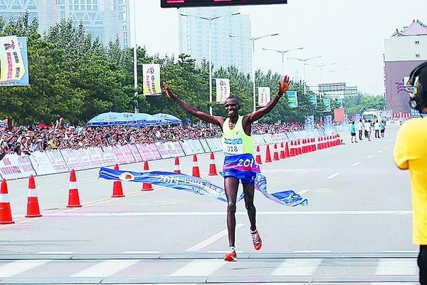 秦皇岛国际马拉松冠军被非洲组选手包揽