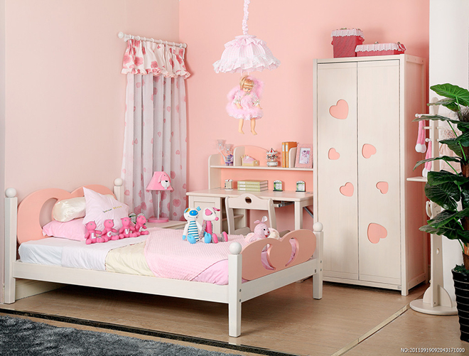 其中包括那些对于儿童房间再理想不过的明亮的色彩,不过,橡胶地板的铺