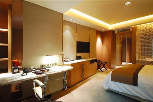 成都希尔顿酒店 展现国际酒店的 王者 风范