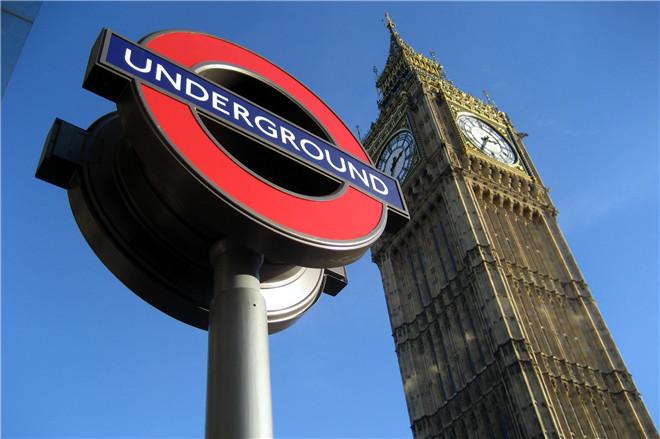 【设计旅行】黄书恒:听英伦 搭着地铁去旅行