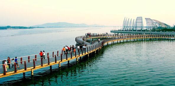 龙子湖风景区实景