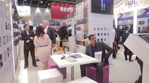 hdl携智能家居产品参加迪拜安防展图片