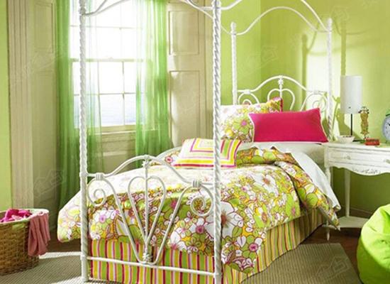 纯色系壁纸装扮温馨空间 让心灵自由散步此间