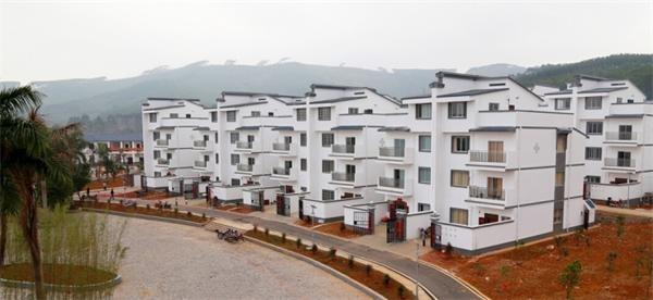 农村如今竟住这样的小区你还别墅在重庆?别墅蜗居大门深圳图片