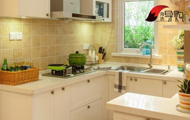简洁型厨房装修效果图 不足2万搞定5平米厨房