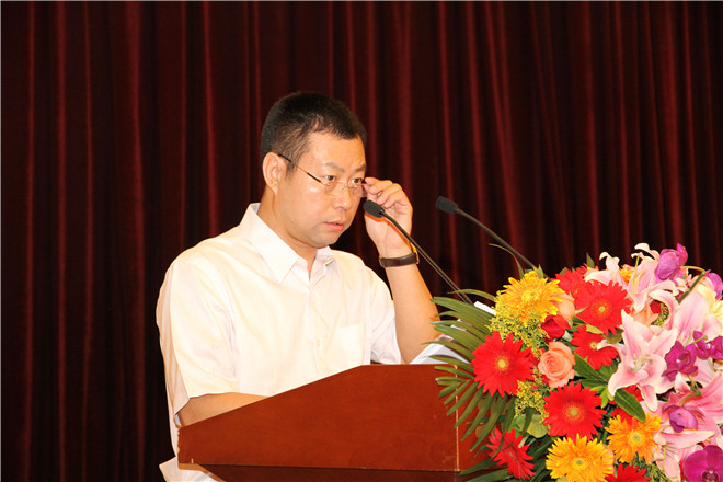 北京家具行业协会换届大会总检票人肖敏