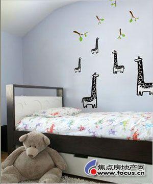 9款可爱手绘壁纸 打造温馨儿童房装修(组图)