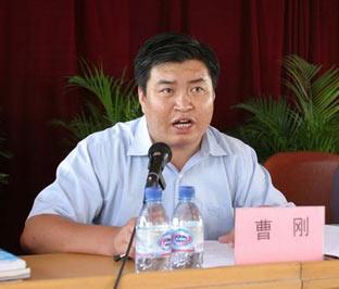 宁夏原团委书记受贿案开庭 四年捞走90万元