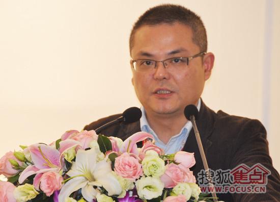 尊敬的高老师大家早上好,我是安信上海木材有限公司的张赤辉,今天由我