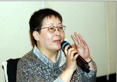 张越:中央电视台节目主持人